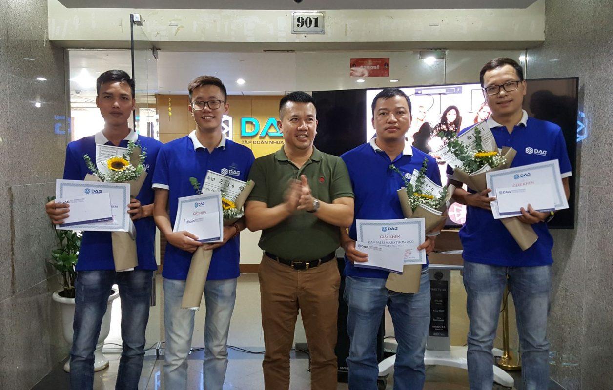 Các thành viên được vinh danh trong Cuộc thi Sales Marathon tháng 9